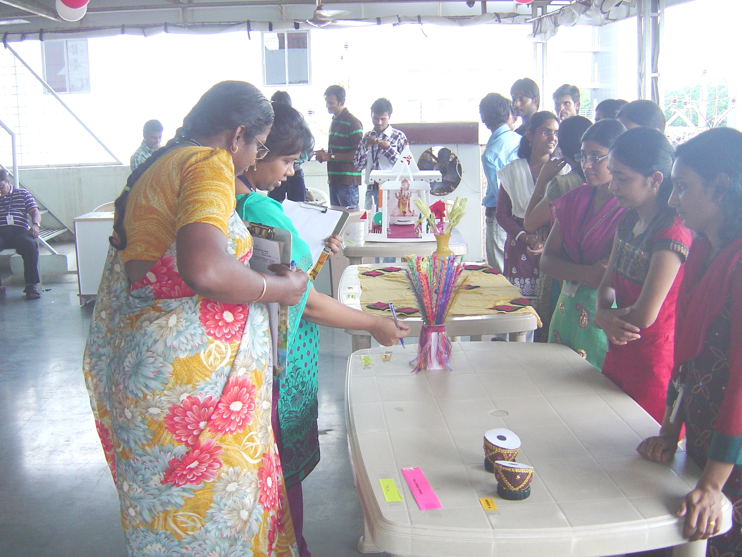 CRAFT MAKING COMPETITION FROM WASTE MATERIALS | Easypack's Blog